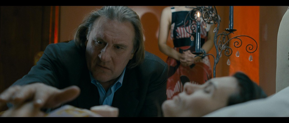 Benjamin (Gérard Depardieu) is a full presence, a broken king in his own domain. With Sabine Lenoël.